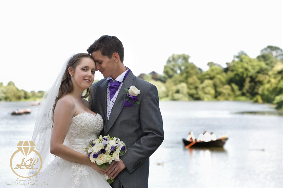 Bride & Goom by Hever lake, Gemma & Neil
