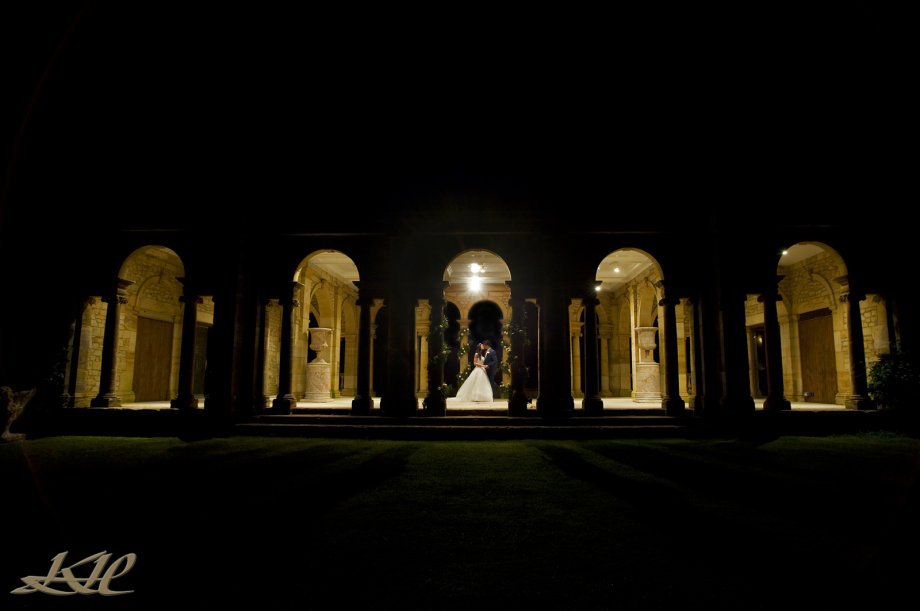 Kenny Hickey Photography, wedding photographer Hever Castle, Bride & Groom kissing Loggia, Romantic Bride & Groom kissing