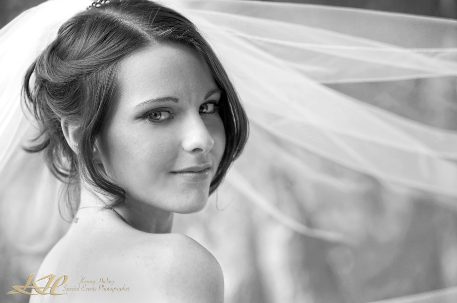 beautiful black portrait of pretty bride in black & white