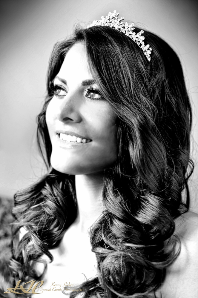 Beautiful portrait of dark haired bride in black & white