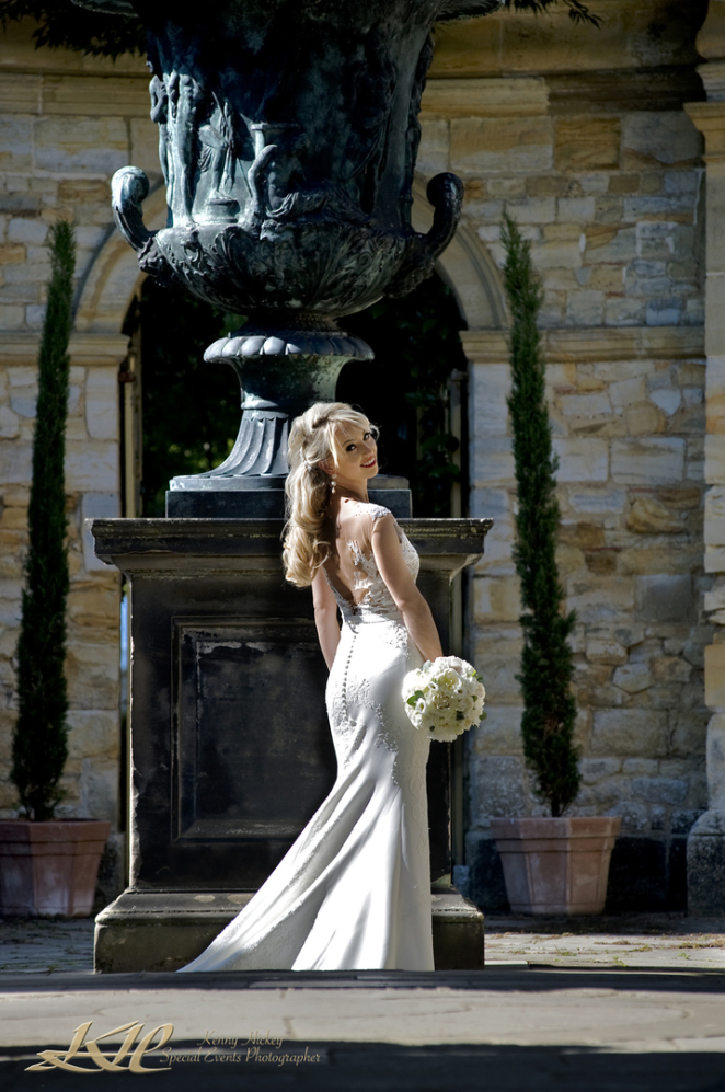 Russian bride at Hever Castle & Gardens
