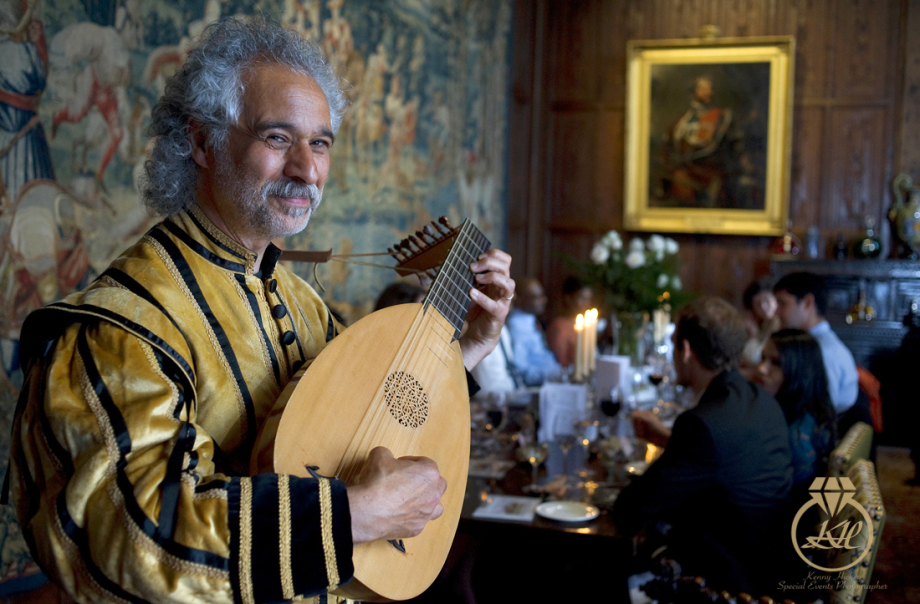 Dante Ferrara, Elizabethan musician playing in the dining room at Hever Castle