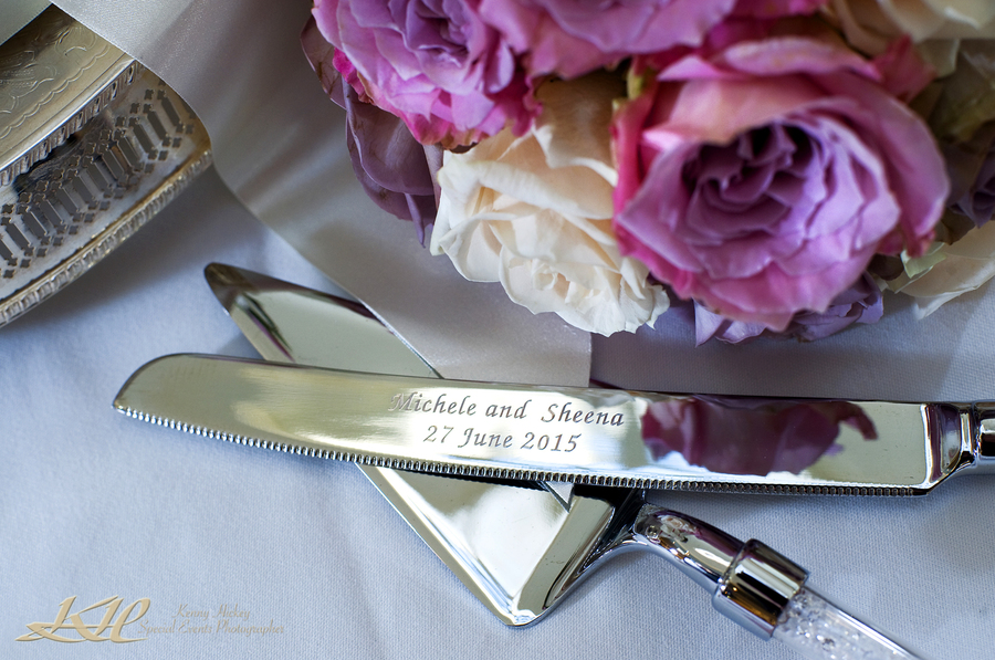 Knife with engraving of Bride & Groom