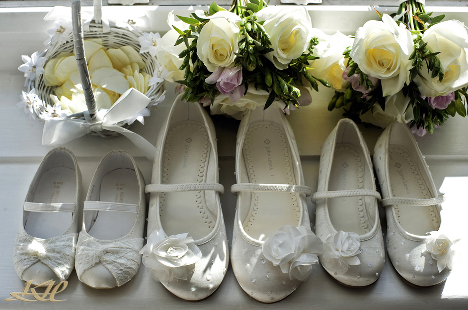 bridesmaids shoes and flowers,wedding